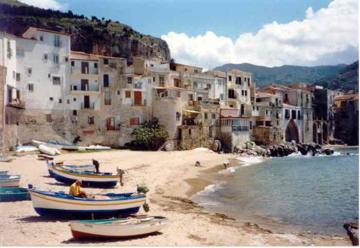 Cefalu, where the head of the Desperate went bankrupt
