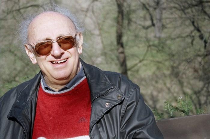 Μάλλον ο πιο γνωστό έλληνας συγγραφέας στο εξωτερικό, Πέτρος Μάρκαρης